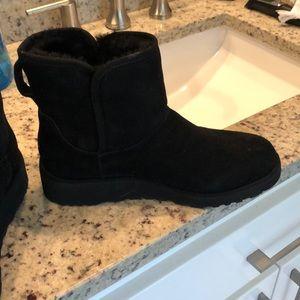 Ugg Kristin one inch boot, Black so 7 no box